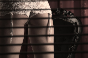 Voyeurism Fetish: What You Need to Know When It's Okay and When It's Not