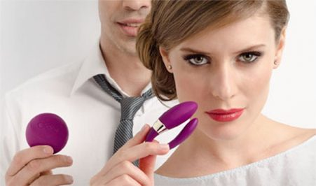 Best Tips for Using a Vibrator With Your Partner With their wide variety of pulses, styles, sizes and shapes, there are countless different ways for using your vibrator with a partner.